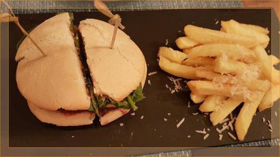 Hamburguesa de Buey La Finca La T Gastrobar